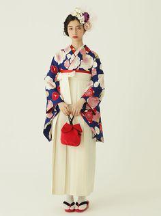 袴レンタルコレクション(梅小町) | レトロモダンな着物・浴衣なら<ふりふ> Japanese Kimono, Japanese Girl, Japanese Outfits, Yukata, Japanese Culture, Kimono Fashion, Traditional Outfits, Fasion, Chibi