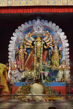 Durga Puja 2016 (Ashtami) at Belur MathSandhya Arati of Sri Sri Ma Durga at Belur Math on the Ashtami Day Durga Maa Paintings, Durga Painting, Indian Art Paintings, Gouache Painting, Durga Images, Lakshmi Images, Saraswati Goddess, Kali Goddess, Bengali Culture