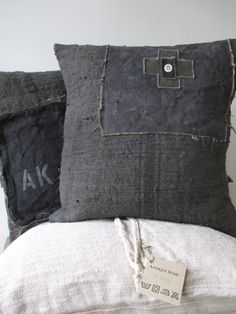 """Coussin """" Ronald """", cushion covers from antique / vintage textiles"""