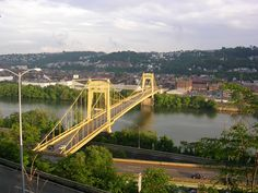 Description Pittsburgh Tenth Street Bridge from Bluff downsteam.JPG