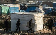 Calais: Des heurts éclatent entre plusieurs centaines de migrants et les forces de l'ordre