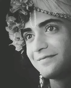 Radha Krishna Sketch, Radha Krishna Songs, Krishna Drawing, Radha Krishna Love Quotes, Baby Krishna, Cute Krishna, Radha Krishna Pictures, Lord Krishna Images, Krishna Painting