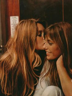 Girl crushes with girl crushes.Brigitte Bardot + Jane Birkin Girl crushes with girl crushes. Bridget Bardot, Brigitte Bardot, Lauren Hutton, Christy Turlington, Girl Crushes, Pretty People, Beautiful People, Hello Beautiful, Beautiful Ladies