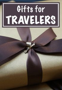 If you find yourself struggling to come up with some gift ideas for your favorite travel lovers, check out my recommended gifts for travelers! | Footsteps of a Dreamer