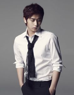 Heo Young-Saeng-01.jpg