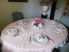 Table in pink