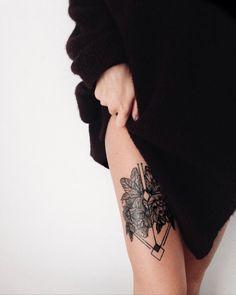 Tattooed girl, geometric floral tattoo tigh