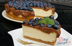 Cheesecake with the best chocolate glaze Chocolate Glaze, Best Chocolate, Top Recipes, Sweet Recipes, Sweet Desserts, Just Desserts, Cheesecakes, Easy Cake Decorating, Desert Recipes