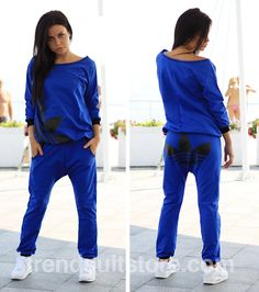 Article CDF0044 #bunt #tracksuit Order of this product only by wholesale catalog at our website. Stylish womens bunt electric blue tracksuit.