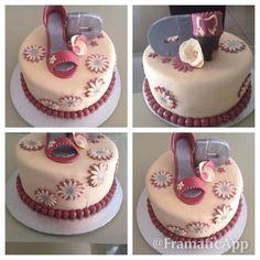 Ivory & Maroon cake- mhhh stunning