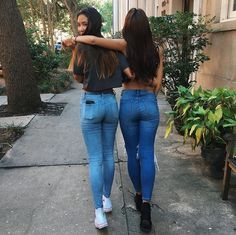 Best Picture For Women Jeans american eagle For Your Taste You are looking for something, and it is Sexy Jeans, Skinny Jeans, Outfits Teenager Mädchen, Teen Girl Outfits, Lined Jeans, Girls Jeans, Dark Denim, Girl Photos, Sexy Women