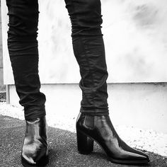 Men's Heeled Boots Source by Men In Heels, Men S Shoes, Mens Heeled Boots, Mens High Boots, Cuban Heel Boots, Mode Alternative, Saint Laurent Boots, Style Masculin, Androgynous Fashion