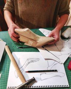 Shoe design and making workshop at @askardamykti_school   #shoes #shoedesignworkshop #shoefashion #shoedesign #shoemaking #diyshoes #uniqueshoes