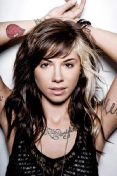 Is Christina Perri's hair the best in the business? Is Christina Perri's hair the best in the business? It appears that Christina Perri has not only got a fan club due to her musical talents. Long Face Hairstyles, Celebrity Hairstyles, Pretty Hairstyles, Funky Hairstyles, Hairstyle Ideas, Christina Perri, Two Toned Hair, Blonde Streaks, Blonde Chunks