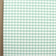 Tissu en coton imprimé d'écailles vert menthe Pour confectionner hochet de dentition?
