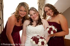 Sophie with her gorgeous bridesmaids http://www.photographybysimon.com/