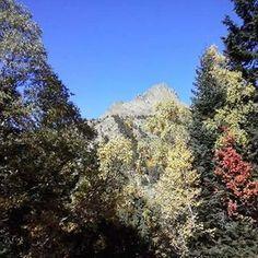 Bon dia des de la Vall Cardós!! 👋😀 #hotelpirineu #hotel #hotelmuntanya #hotels #pirineu #pirineo #pirineocatalan #pirineucatala #riberadecardos #pallarssobira #pallars #valldecardos #vallcardos #pyrenees #muntanya #views #montaña #lifestyle #instaviews #instalovers #instagram