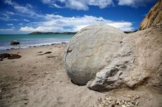 If you go down to Koekohe beach in New Zealand you can be sure of a big surprise. In front of you, scattered like enormous marbles from some long abandoned game between giants, are hundreds of giant spherical rocks. Or are they the egg shells of sea-born dragons? The Moeraki boulders present us with a mystery – what are they and how on earth did they get here?