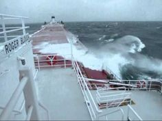 Great Lakes Freighter Roger Blough in Heavy Seas on Lake Superior - I remember when this ship was on fire in dry dock in Lorain Ohio in the Merchant Navy, Merchant Marine, Fast Boats, Tug Boats, Michigan Travel, Lake Michigan, Paddle To The Sea, Yacht Charter Greece, Lorain Ohio