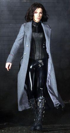 "Kate Beckinsale in ""Underworld: Awakening"" (2012) yes please! Girl crush"