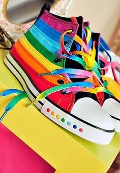 Over the rainbow Converse >> these are awesome! Rainbow Shoes, Love Rainbow, Taste The Rainbow, Over The Rainbow, Rainbow Colors, Rainbow Sneakers, Rainbow Converse, Rainbow Stuff, Colorful Sneakers