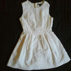embroidered white dress From forever 21 Forever 21 Dresses