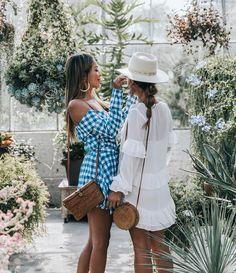 Sara Escudero, Collage Vintage. Photo Source: https://www.instagram.com/collagevintage Basket bag, woven bag, rattan bag, square bag, summer bag