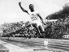 William DeHart Hubbard was the first African American to win a gold medal at the Olympics as an individual, placing first in the running long jump. Hubbard was born on November in Cincinn… World Athletics, Omega Psi Phi, Long Jump, Black History Facts, My Black Is Beautiful, Track And Field, Fraternity, Cincinnati, Olympics