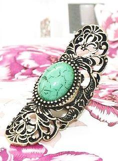 Green Gemstone Retro Gold Hollow Ring