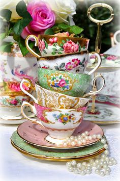 mismatched vintage china teacups