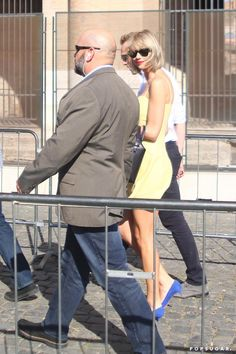 Pin for Later: Taylor Swift and Tom Hiddleston Kissed on Top of the Colosseum in Rome