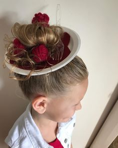 Little Girl Hairstyles, Hairstyles For School, Cool Hairstyles, Hairdos, Crazy Hair For Kids, Crazy Hair Day At School, Wacky Hair Days, Medium Short Haircuts, Days For Girls