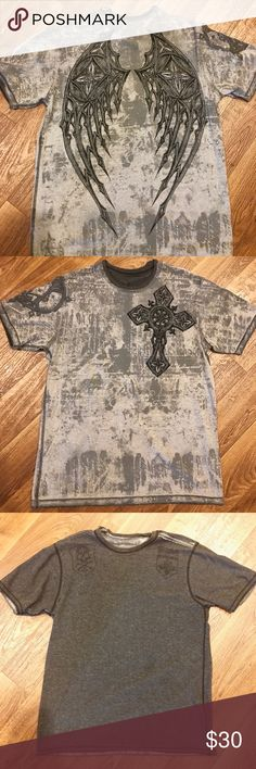 Affliction Reversible Men's T Shirt - Reversible Affliction Men's T Shirt.  Short Sleeve. White/Gray.  Worn about 10 times, small rip in the collar. Other than that, it is in great shape. No trades please. Affliction Shirts Tees - Short Sleeve
