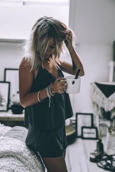 Super Ideas for tattoo girl wallpaper posts Shooting Photo Boudoir, People Drinking Coffee, Photographie Portrait Inspiration, Paris Girl, Jolie Lingerie, Coffee Girl, Coffee Lovers, Mode Outfits, Mannequins