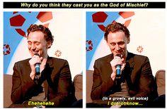 Marvel: The Avengers - Loki - Tom Hiddleston Marvel Actors, Marvel Funny, Marvel Avengers, Marvel Comics, Tom Hiddleston Imagines, Tom Hiddleston Loki, Toms, Bae, Dc Memes