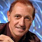 ranco De Vita (nació el 23 enero, 1954 en Caracas) es un pianista y cantautor de música pop y balada venezolano, hijo de inmigrantes italianos. Compone todas sus canciones, en algunas él mismo toca el piano, y ha compuesto canciones a muchos otros cantantes.