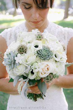 Ramo de novia en color #Hemlock #bouquet #bride #Wedding #YUCATANLOVE