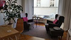 christinerana.com  Mein heißgeliebter Praxisraum - licht, ruhig und gemütlich. Hier können Sie sich geborgen und gut aufgehoben fühlen!