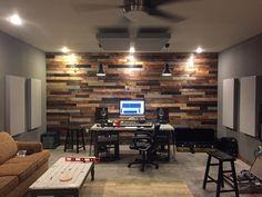 48 Recording Studio Design Acoustic Panels Home Theaters - Bergayo - Music Studio Decor, Home Studio Setup, Studio Desk, Configuration Home Studio, Home Studio Musik, Superior Walls, Home Music Rooms, Guitar Room, Drum Room