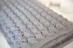 Quick and Thick Baby Blanket   A free crochet afghan pattern that's so snuggly. It's the perfect baby blanket pattern.