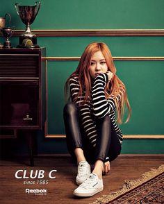 Your source of news on YG's current biggest girl group, BLACKPINK! Kpop Girl Groups, Korean Girl Groups, Kpop Girls, Yg Entertainment, Forever Young, Divas, Kim Jisoo, Park Chaeyoung, Jennie Blackpink