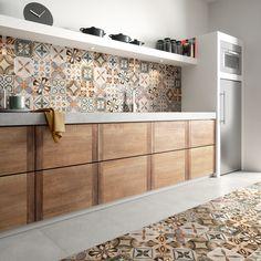 50 Unique Kitchen Flooring Ideas for a Lively Step - Houseminds Kitchen Tiles, Kitchen Flooring, Kitchen Design, Bathroom Interior, Interior Design Living Room, Patchwork Tiles, Kitchen Cupboard Doors, Home Kitchens, Rustic Kitchens