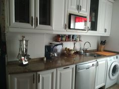 Pintar los muebles de la cocina ⋆ Sin complicarte la vida Kitchen Cabinets, Home Decor, New Kitchen, Kitchen Furniture, How To Paint, Life, Art, Decoration Home, Room Decor