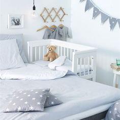 BarnNet: Babyns första säng - vagga, babykorg eller liten spjälsäng