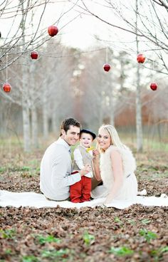 Cute, use ornaments instead of apples for Christmas theme