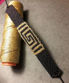 Macrame Art, Micro Macrame, Macrame Jewelry, Macrame Bracelets, Diy Bracelets Easy, Bracelets For Men, Textile Jewelry, Jewelry Art, Friendship Bracelet Patterns