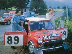 Paddy Hopkirk/Ron Grellin, Mini Cooper S, Acropole Rallye 1967, 1th R. Aaltonen/H. Liddon with No 92 (LRX828E) & T. Makinen/P. Easter with No99 (GRX 195D) retired