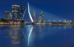 Skyline van Rotterdam met Erasmusbrug