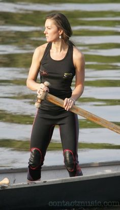 Kate rowing with the Sisterhood Challenge in 2007 while her and her Prince were on a break. When they reconciled the palace advisors urged her to drop out due to a frenzy of media attention.