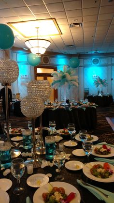 Take a look at these beautiful #feathercenterpieces #signinboard #blowups #yarmulkabasket & more that we worked together with the Sorgie's to make her #mitzvah dreams come true Temple Chaverim, Plainview NY CONTACT 516.933.3210 for more information Lighter Than Air Events